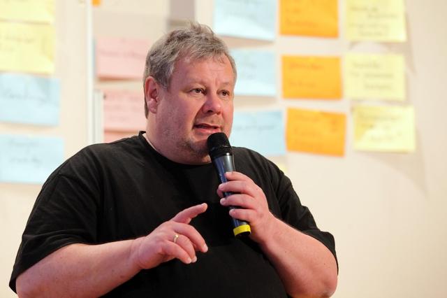 Guido Karp bei seinem Vortrag auf dem FREELENS Jahrestreffen 2013 in Stuttgart.