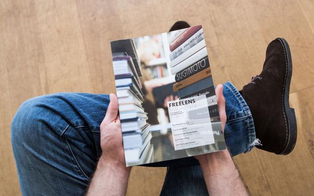 Lucas Wahl fotografierte für unseren Titel die bunte Vielfalt der Fotobücher in der »Buchhandlung im Haus der Photographie« in Hamburg.