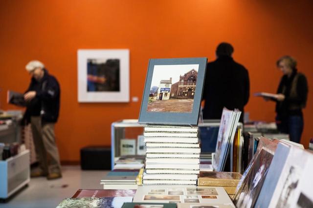 Aus dem Meer der unzähligen Fotobücher herausragen. Wie erlangt das Fotobuch die Aufmerksamkeit eines Käufers?