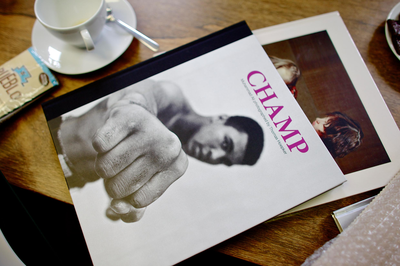 Auch Thomas Hoepkers »Champ« wurde in Bad Münder gedruckt. Mittlerweile ist es die dritte Auflage.