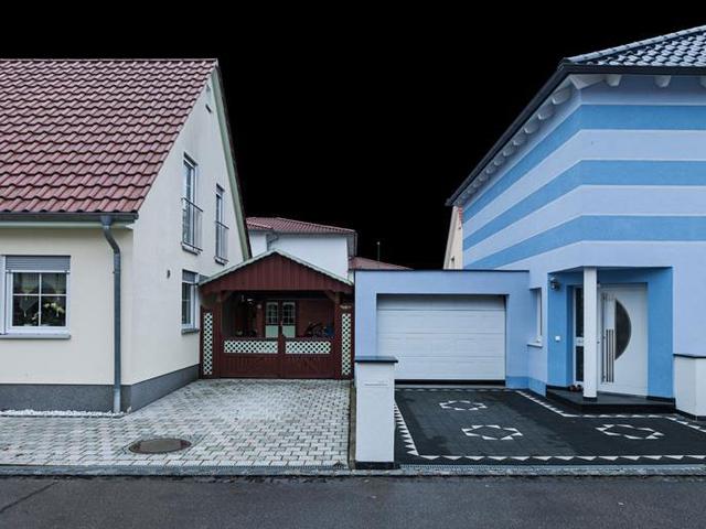 Aus der Serie »Nachbarschaftliche AnPassung«.