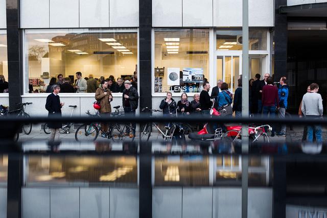 """Europa, Deutschland, Hamburg, 07.05.2015. Ausstellungseröffnung """"Wunderland"""" von Frank Kunert in der Freelens Galerie Hamburg. © 2015 Lucas Wahl / Kollektiv25"""