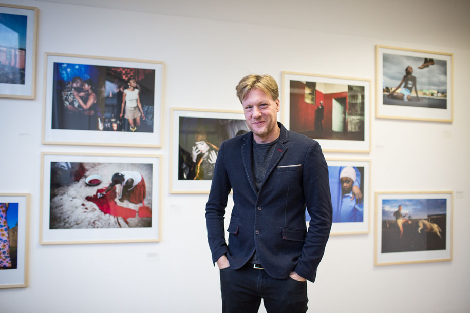 Per-Anders Pettersson in der FREELENS Galerie, Hamburg.