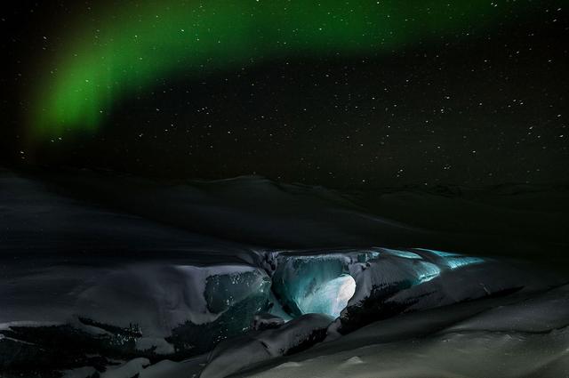 Sermersuup Iluani –Inside the big ice. Aus der Serie »Stella Polaris* Ulloriarsuaq«.