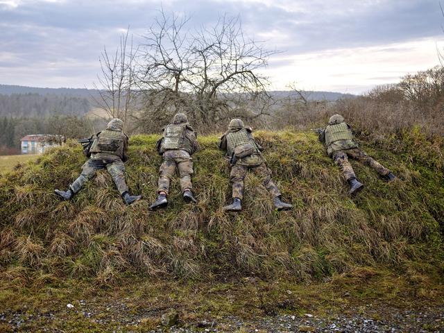 Feldwebellehrgang auf dem Truppenübungsplatz Hammelburg. Aus der Serie »Der Tod kommt später, vielleicht«.