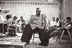 Pepe Kalle bei einer Probe, Kinshasa, Kongo, 1994.