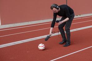 Produktion Blindenfußball im FREELENS Multimedia Workshop.