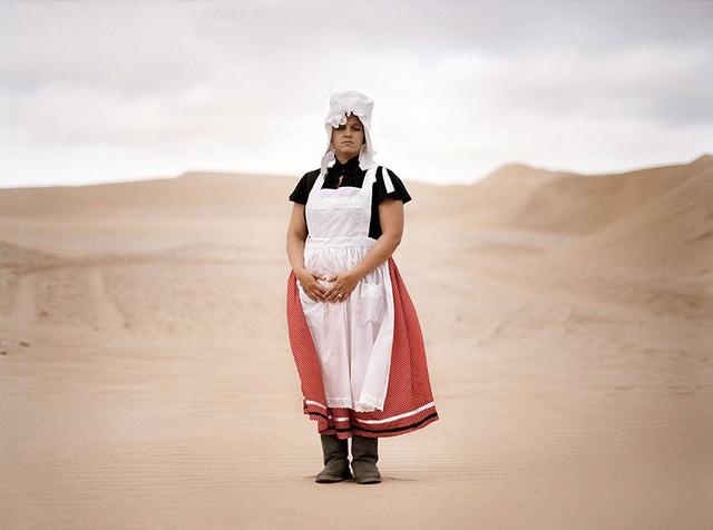 »Basterland« erzählt von einer traditionellen Gruppierung Namibias, die aus Beziehungen zwischen den Nachfahren europäischer Kolonialisten und einheimischen Frauen hervorgegangen ist.