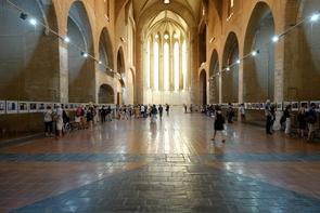 Einer der beeindruckendsten Ausstellungsorte ist wie in jedem Jahr die Église des Dominicains.