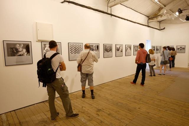 Berührende Bilder in der Ausstellung »Cancer Family« von Nancy Borowick.