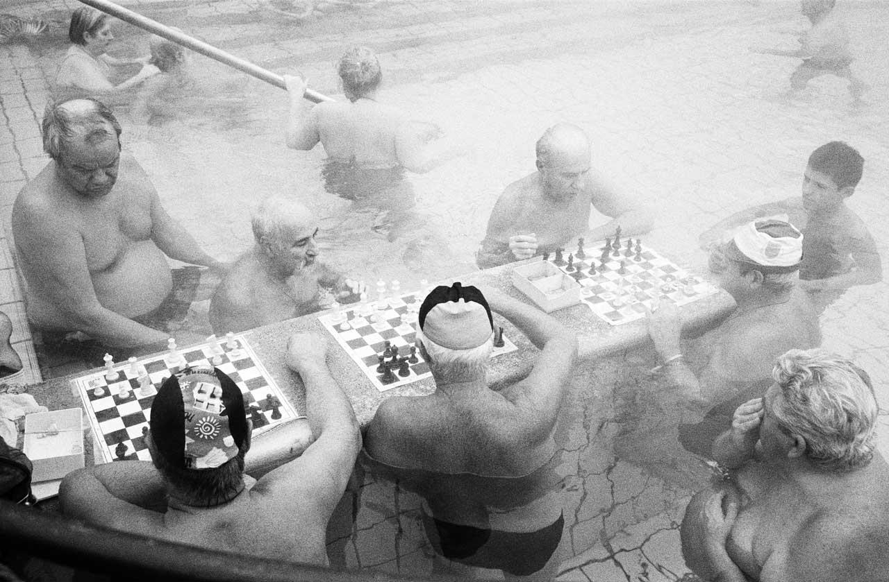 Schachspieler im Szechenyi Thermalbad, Budapest, Ungarn, 2009. Foto: Julia Baier