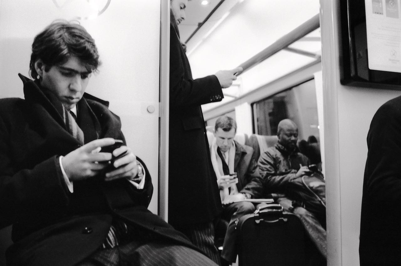 »Heathrow Express. Mobile Devices.« London, UK, 2013. Foto: Tobias Weisserth