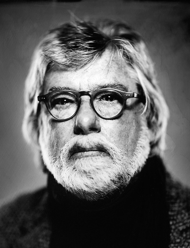 Rolf Nobel lehrt seit 2000 Fotojournalismus und Dokumentarfotografie an der Hochschule Hannover.