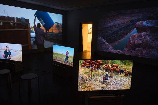 »Dry West«-Installation in der Coalmine Gallery in Winterthur, Schweiz, Januar 2016.