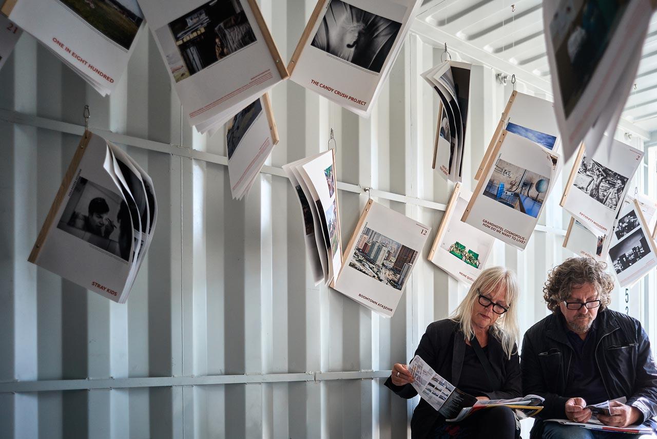 Auch die Fotostudenten der Hochschule Hannover präsentierten sich im Container-Dorf.