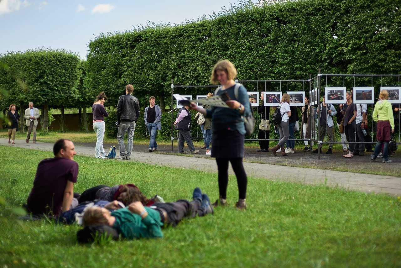 Die Gärten im Wandel laden nicht nur zum Bilder betrachten ein, sondern auch zu einer Verschnaufpause zwischen den Ausstellungen.