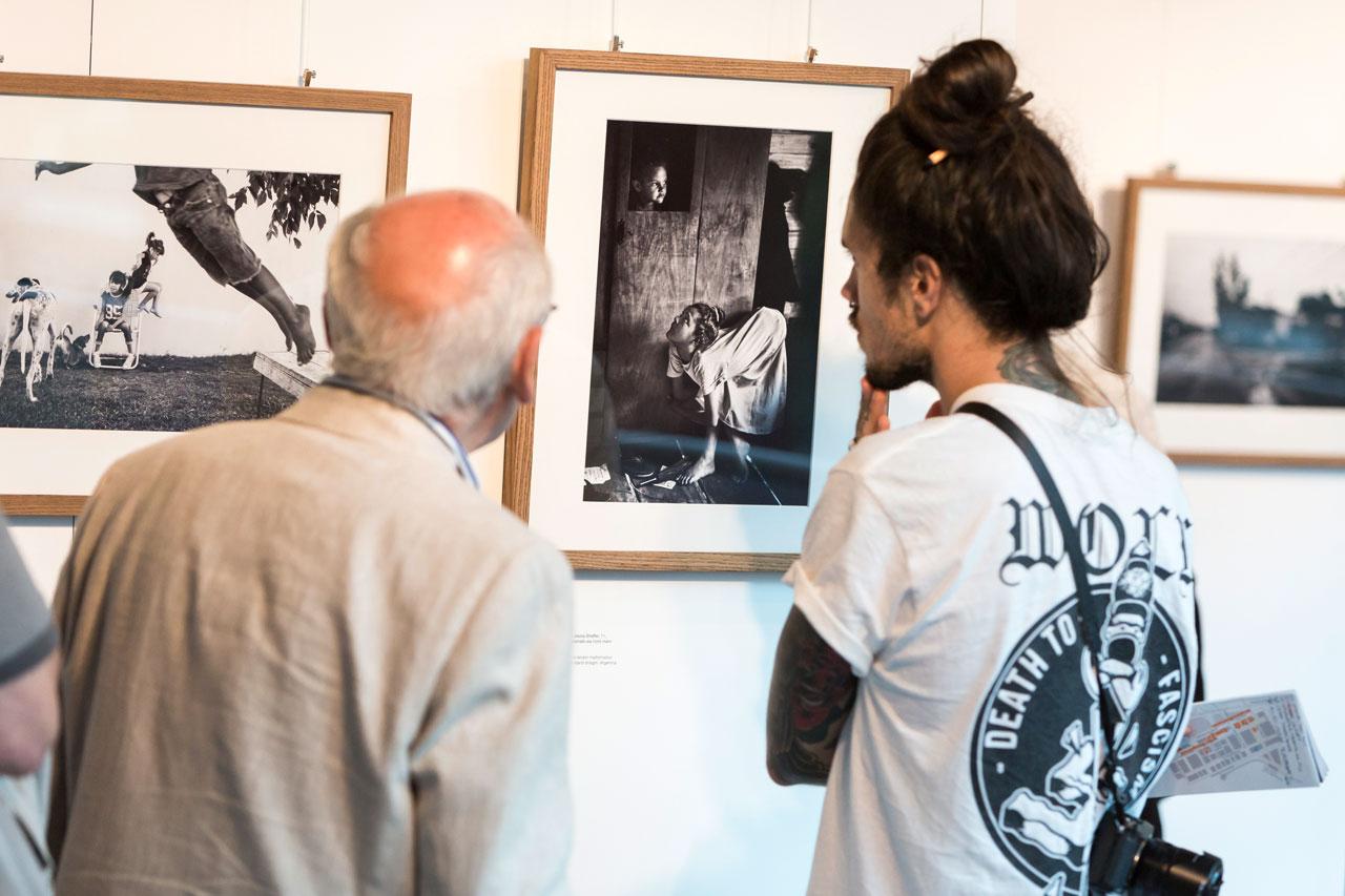 »The Human Cost of Agrochemicals« von Pablo Piovano war eine der Ausstellungen, die die Besucher thematisch sehr bewegt hat.