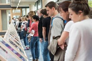 Die steigenden Besucherzahlen auf dem Lumix Festival sind auch ein Indiz dafür, dass Menschen sich nach wie vor für gute Fotografie begeistern.