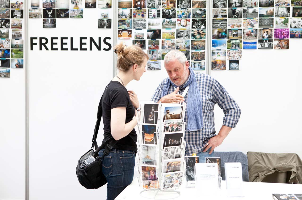 Auch FREELENS war mit einem Messestand im Design Center präsent und stand Besuchern mit Rat und Tat zur Seite.
