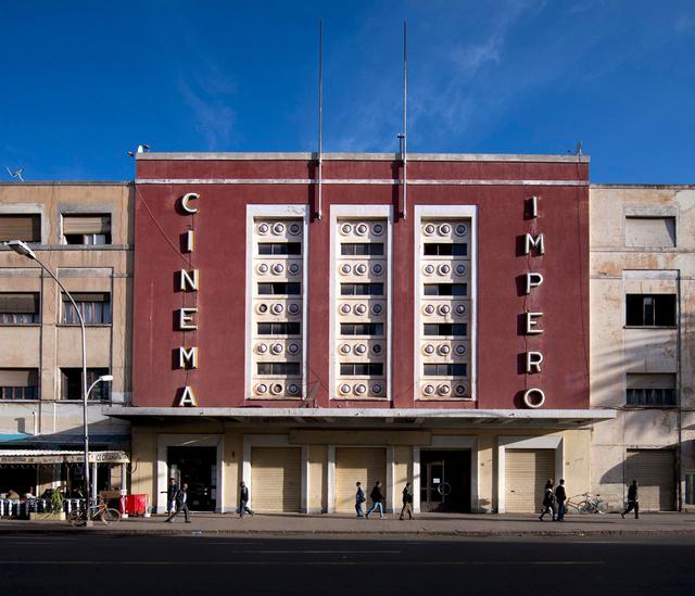 Das Kino Impero auf der Hauptstraße Liberation Avenue in Asmara, Eritrea. Architekt: Mario Messina, gebaut 1937.