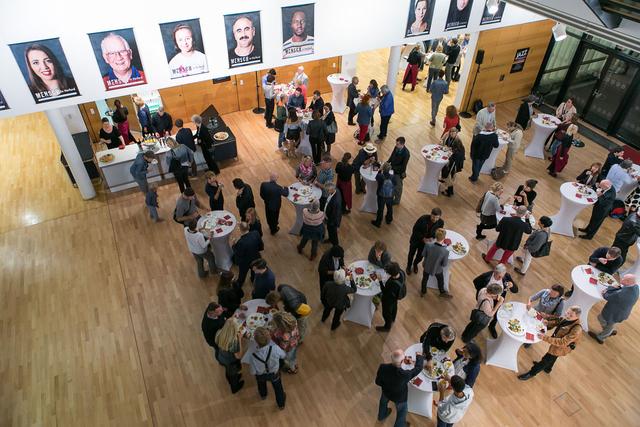 Freelens Ausstellung. Angekommen!? Fotografien zu Flucht und Ankunft in Deutschland. Aufgenommen am 22.09.2016 in der Landesvertretung Rheinland-Pfalz in Berlin.
