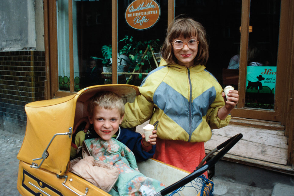 Kinder, Prenzlauer Berg, Berlin, 1986.
