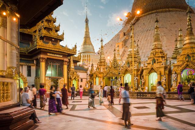 Bild 4: Shwedagon-Paya in Yangon, Myanmar.