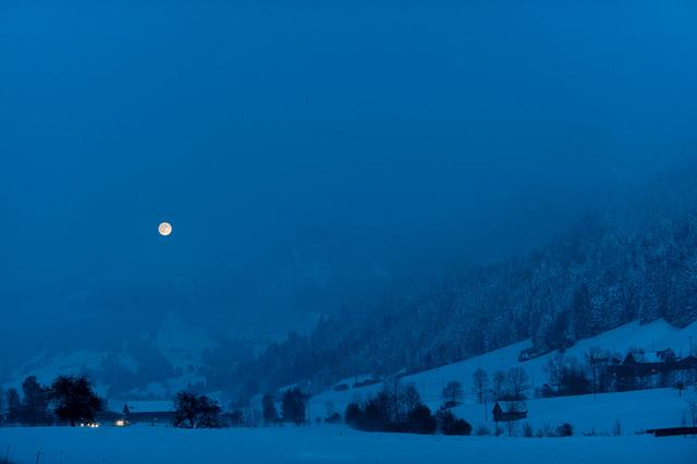 Bild 5: Vollmond bei Escholzmatt, Kanton Luzern, Schweiz.