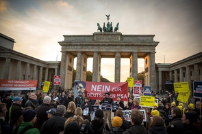 Kundgebung »BND-Gesetz stoppen« vor dem Brandenburger Tor.
