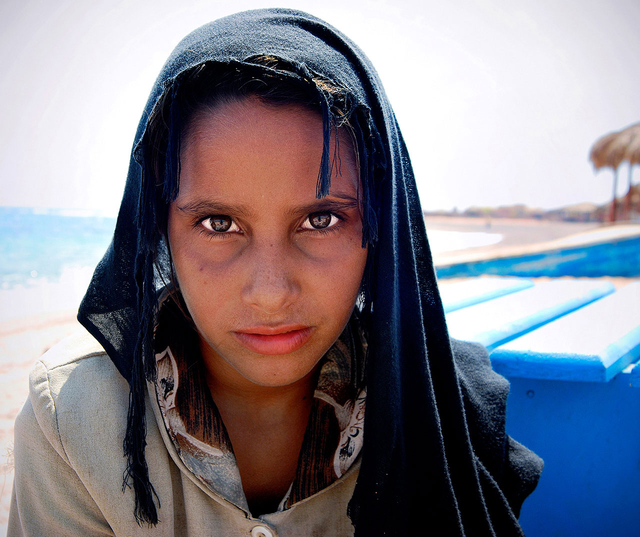 An den Stränden der Halbinsel Sinai verkaufen viele Beduininnen Schmuck und anderes Kunsthandwerk an Touristen.