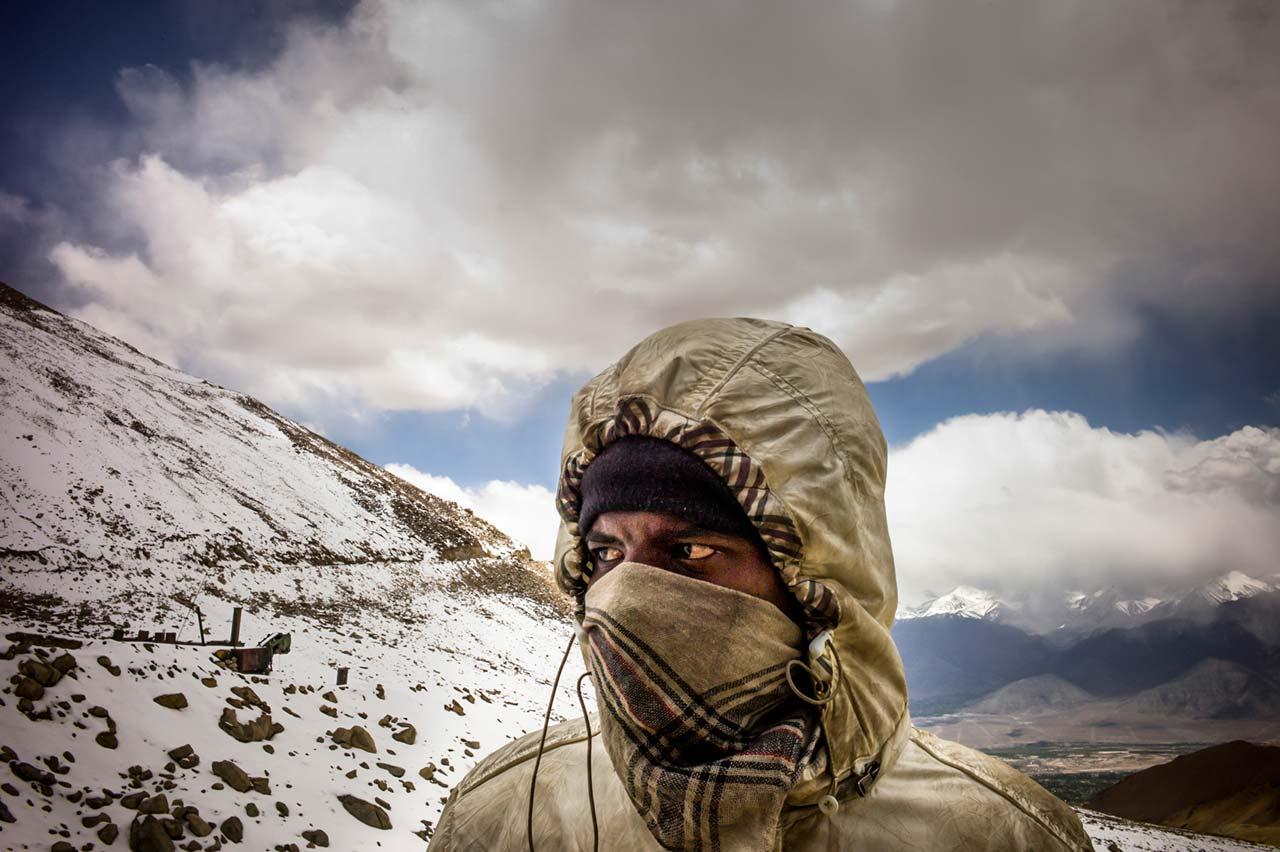 Die Multimediageschichte von Thomas Keydel führt den Betrachter auf die höchste befahrbare Straße der Welt im indischen Ladakh.