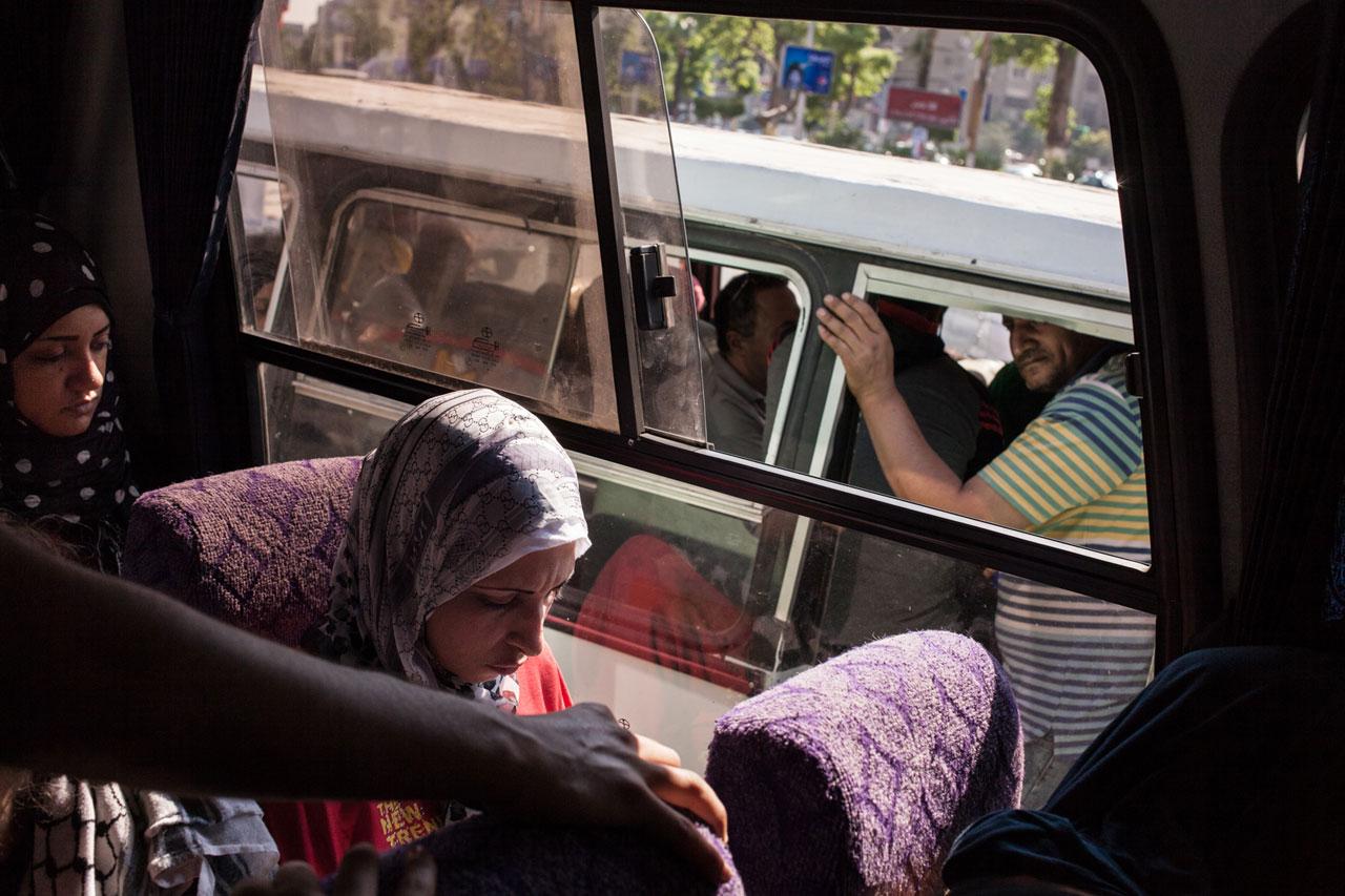 Im Bus werden Frauen oft Opfer sexueller Belästigung. Foto: Amélie Losier