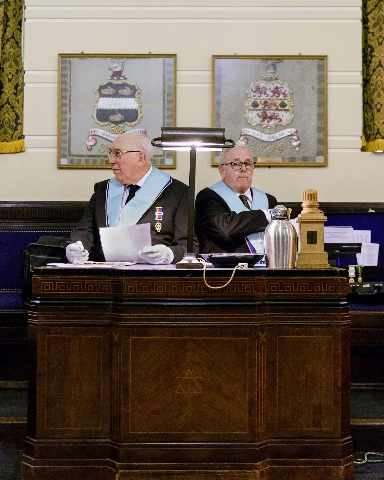 Mitglieder der »Terpsichore Lodge« bei den Vorbereitungen zum Zeremonie in der »Freemason's Hall«, London, England, 2015. Foto: Juliane Herrmann