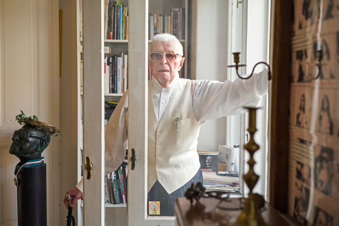 Andrzej Wirth, polnisch-deutscher Theaterwissenschaftler, Theaterkritiker und Hochschullehrer.