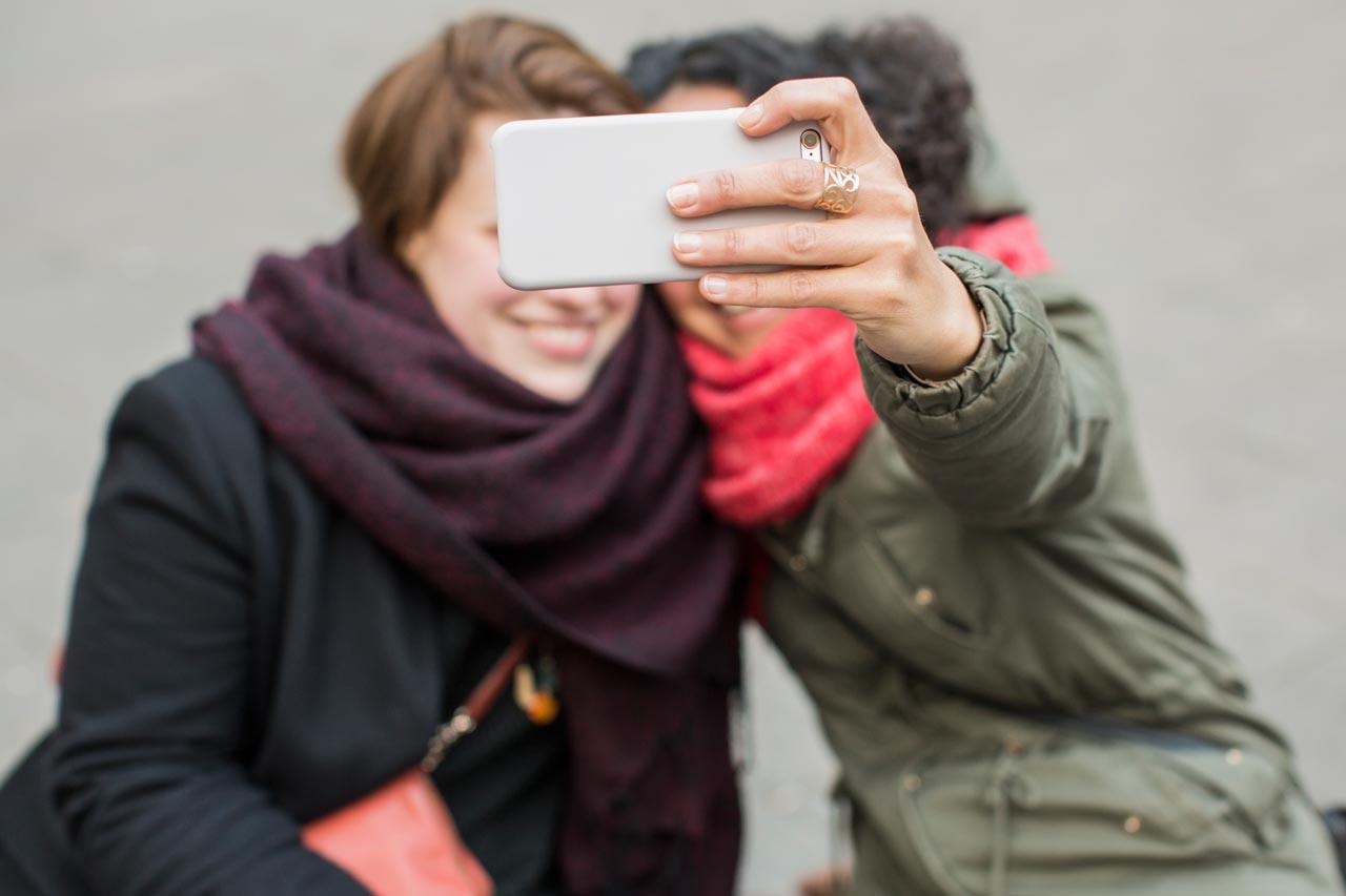 Es muss nicht immer nur das Selfie sein! Für viele Fotografen, so Wiebke Loeper, liege der Reiz von Instagram inzwischen darin, spontan auf Aktualität und politisches Tagesgeschehen reagieren zu können.