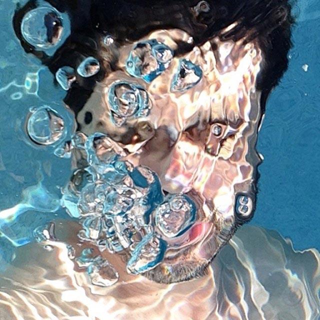 #underwaterunselfie.